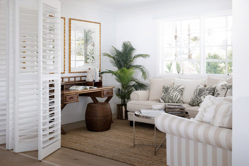 Study sitting room flex space in Hamptons style