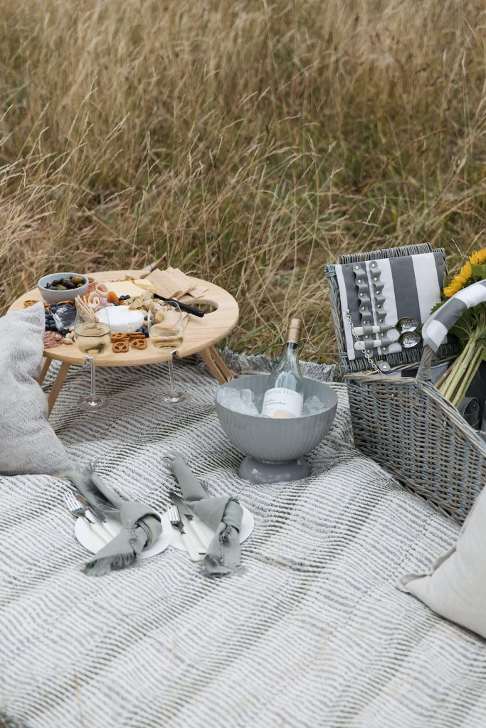 How to pack for the perfect picnic