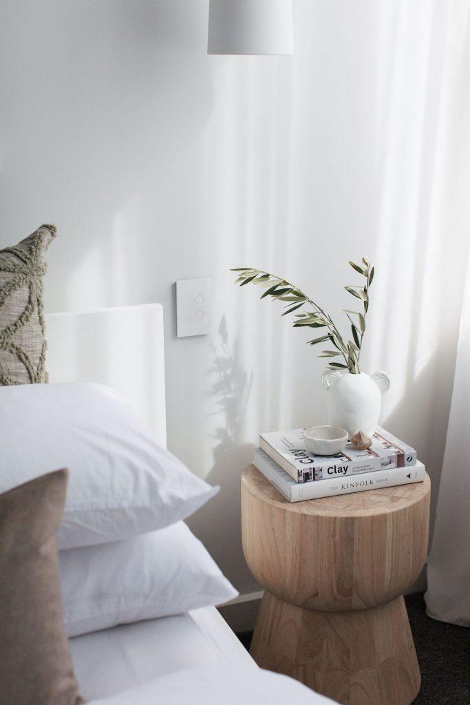 Organic ceramics and curved furniture