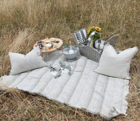 Large picnic rug