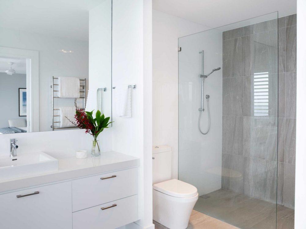 Coastal Hamptons home bathroom