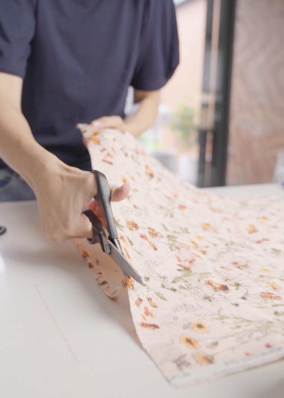 Cut edges with crimpin scissors