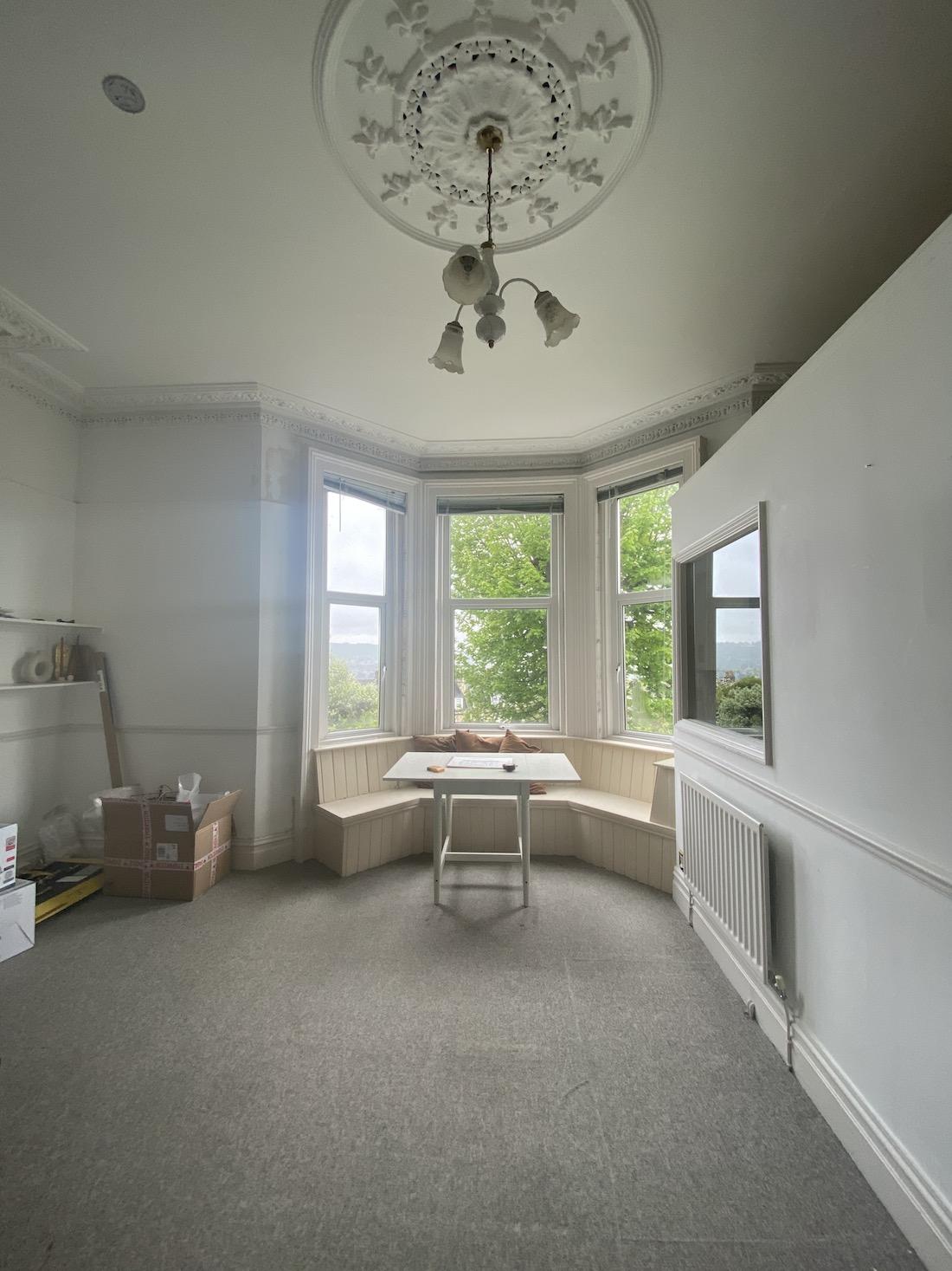Belle Vue Georgian apartment living room before the renovation