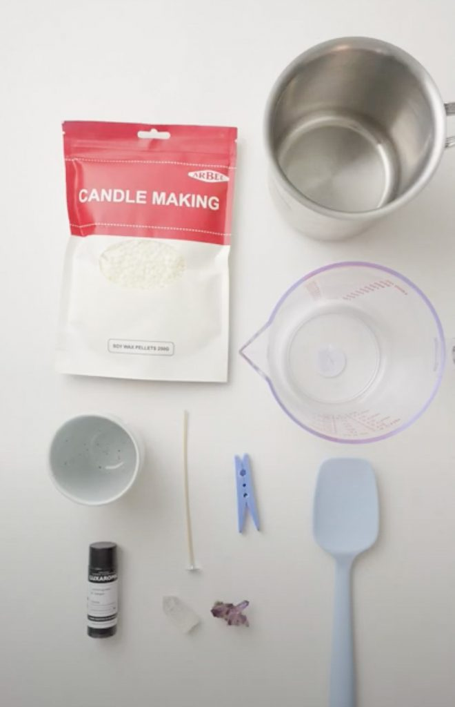 Materials to make candle in a cup