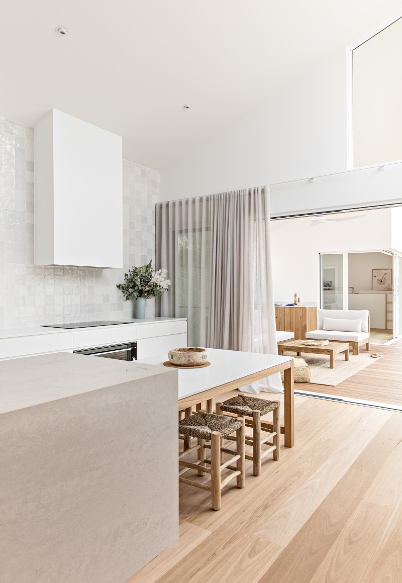 Orton Haus - kitchen to outdoor deck