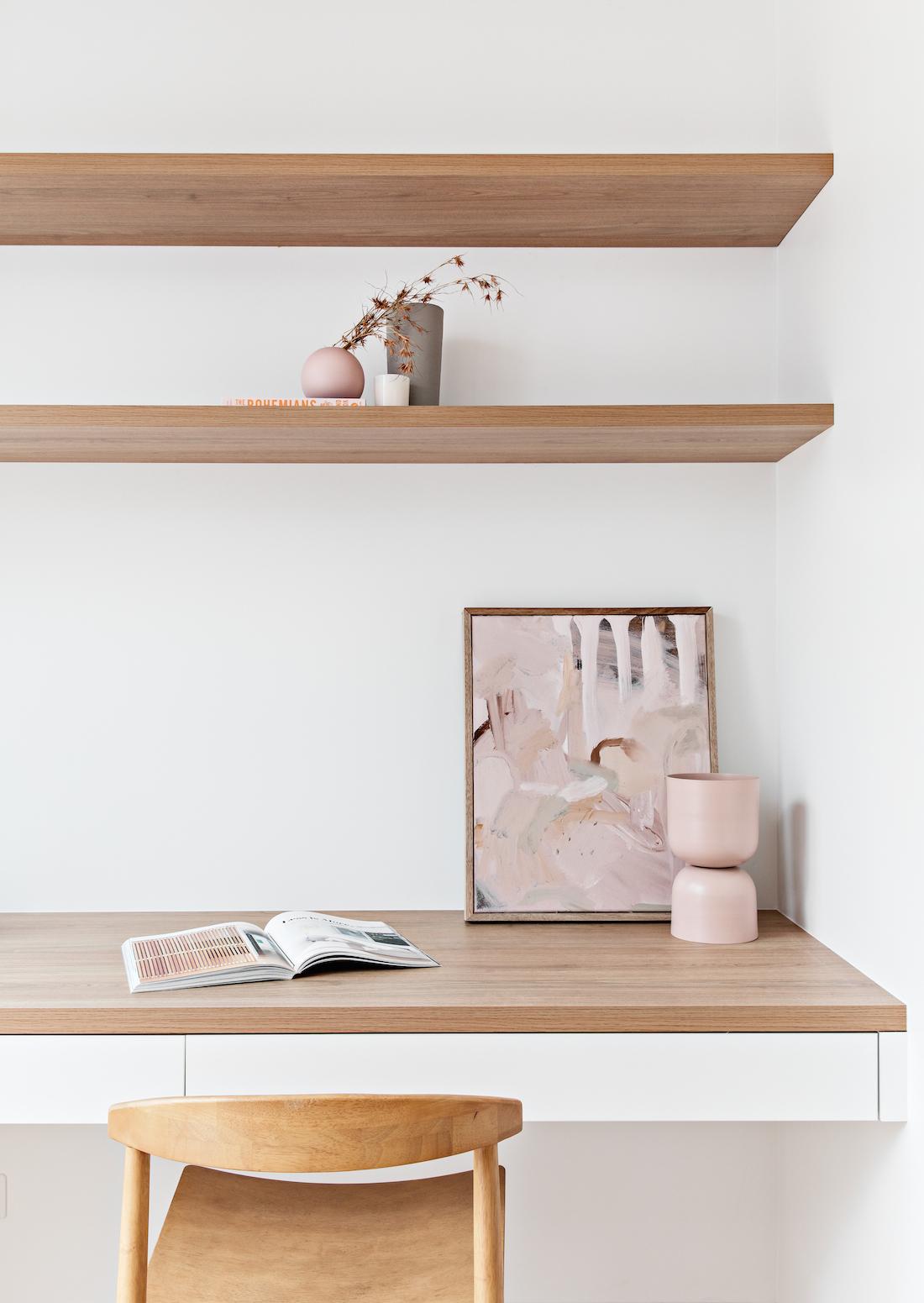 Oron Haus shelves