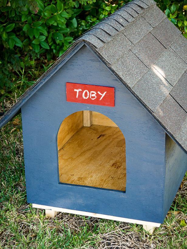 Dog house DIY project