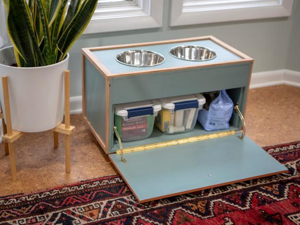 Pet feeding station DIY project