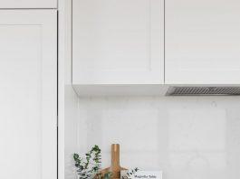 Kitchen vignette in white kitchen