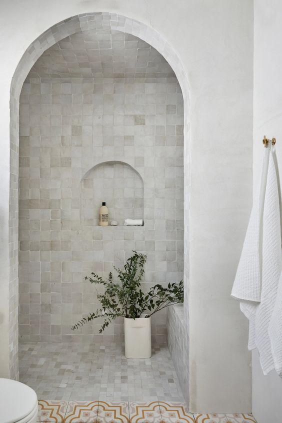 Arched shower