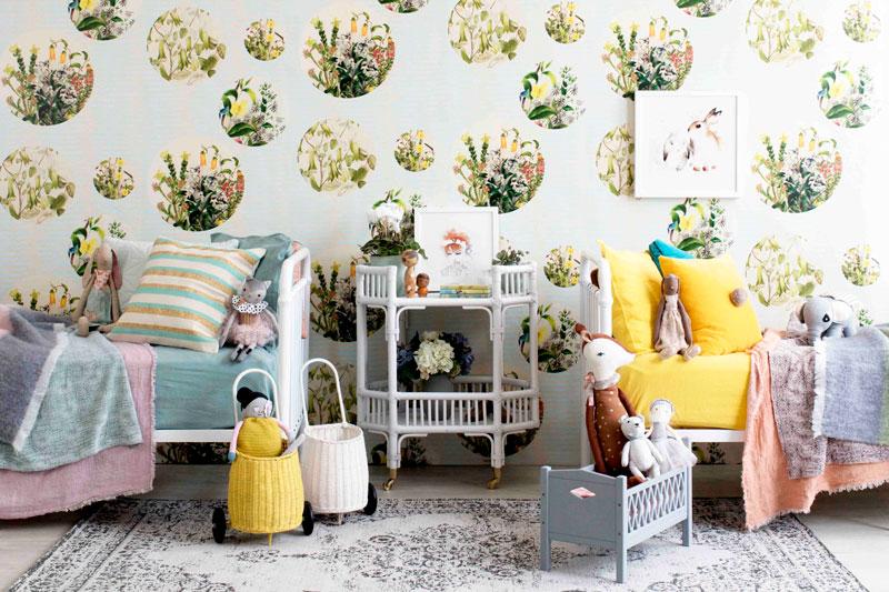Floral wallpaper in shared kids bedroom