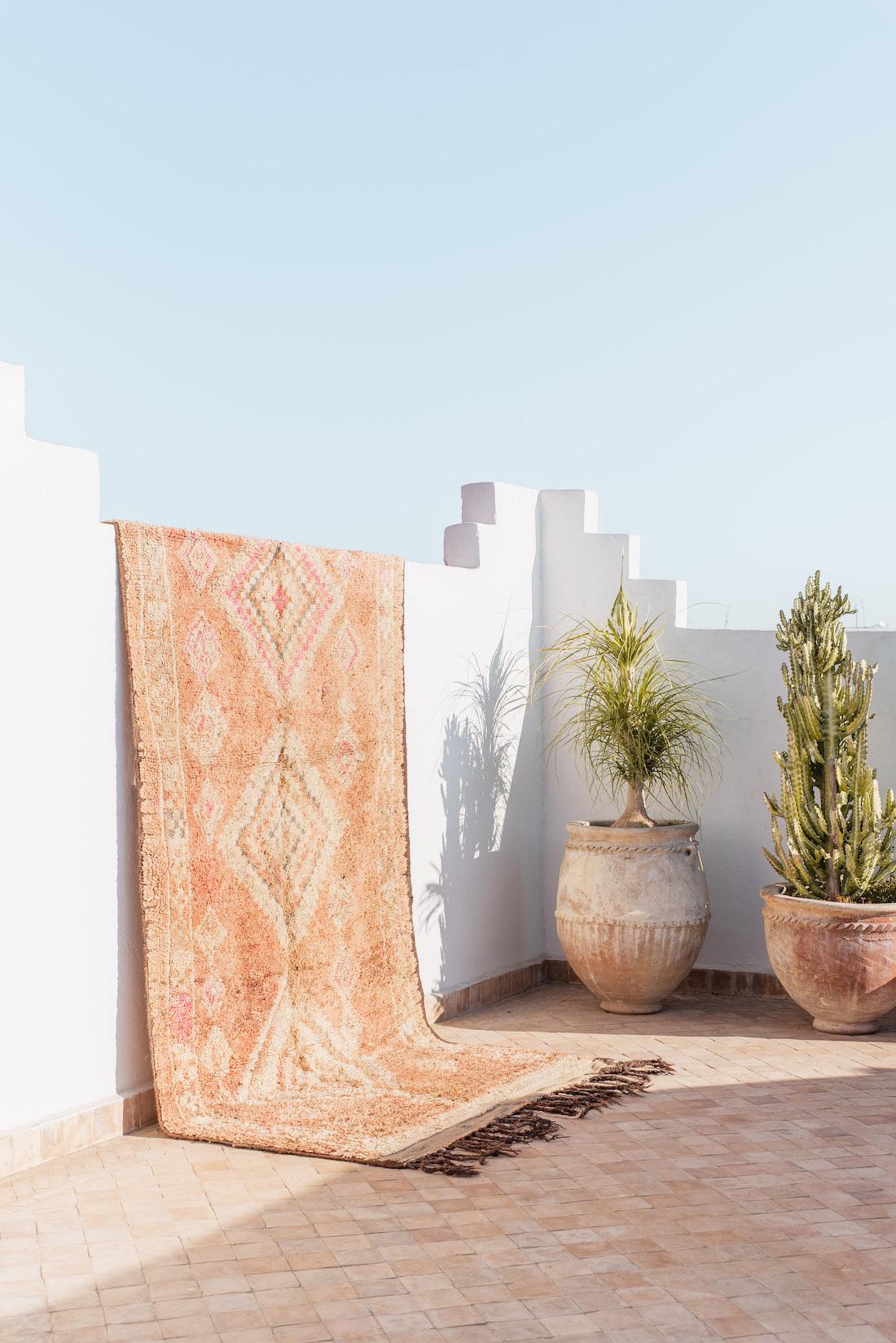 Large Moroccan floor rug from Beni Kesh
