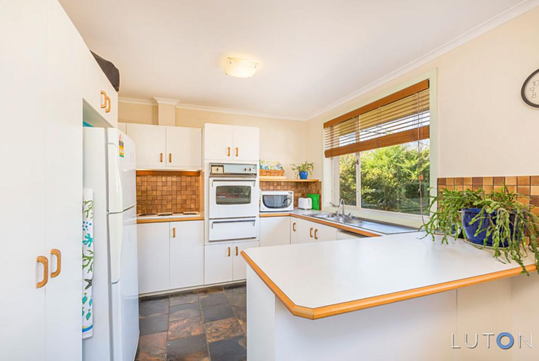 Evatt House kitchen before the renovation