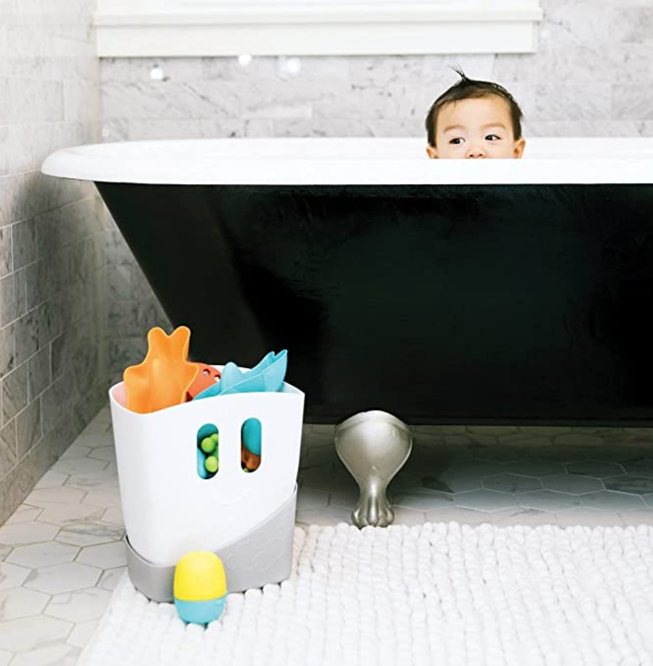 Bath toy storage with scoop and strainer