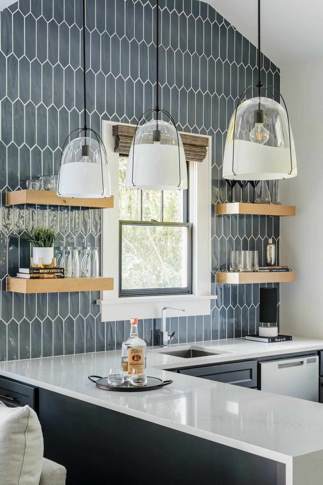 Blue picket tile vertical in kitchen