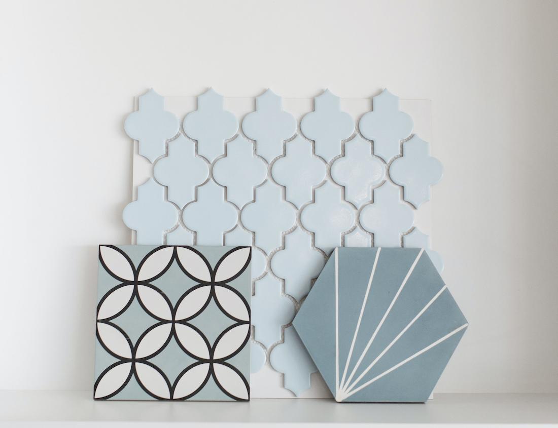 Light blue lantern tile