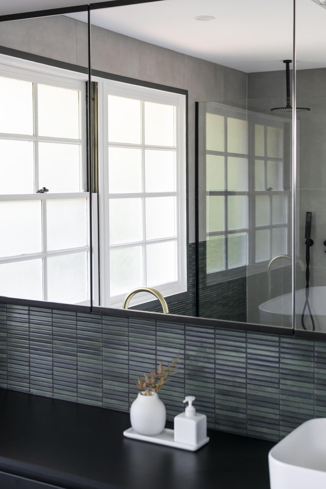 MorecombeHouse_BathroomMIrror