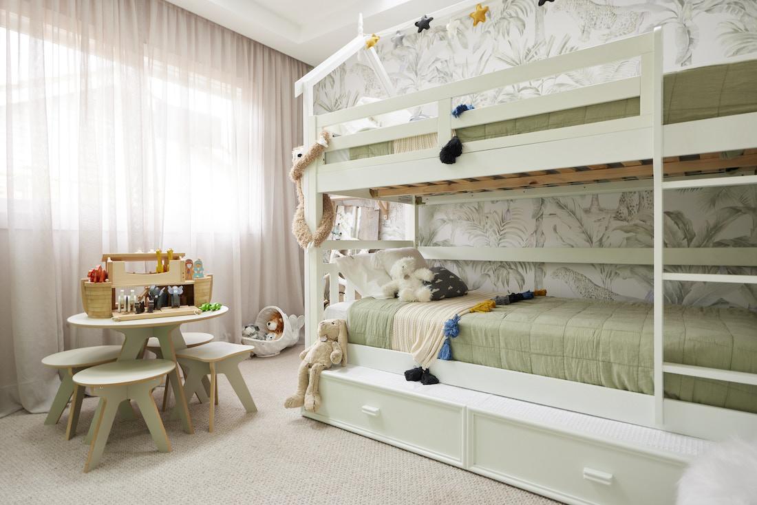 Kids bunkbed with under storage