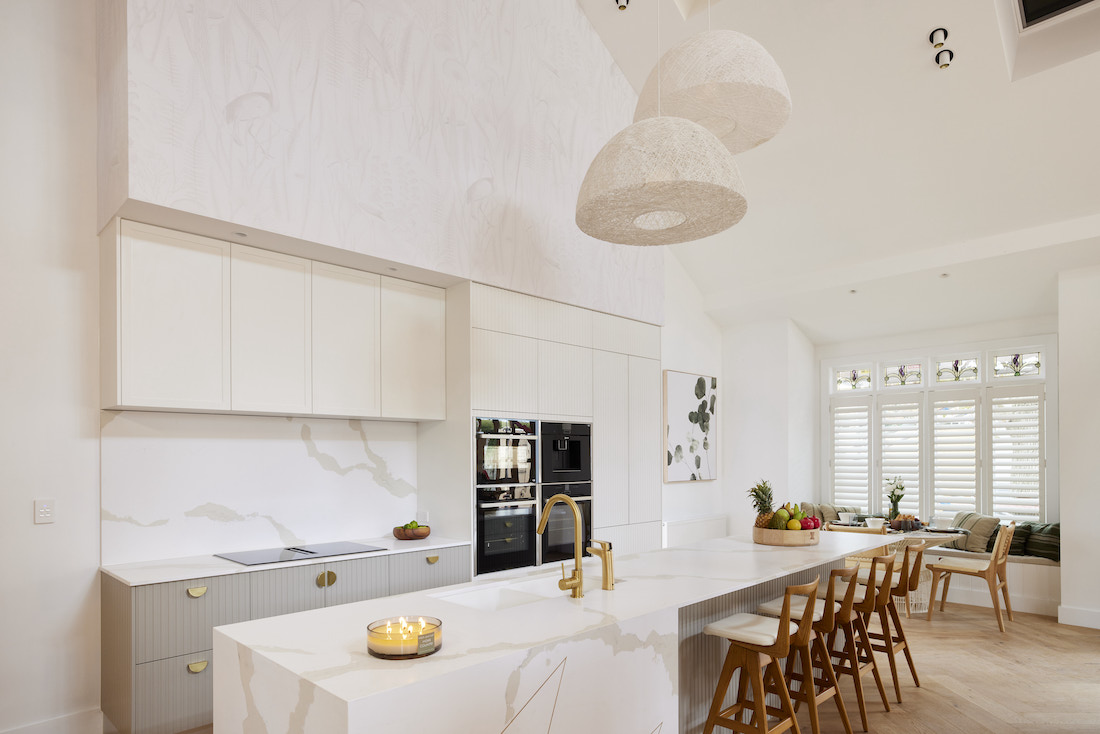 Kitchen island with pendant light feature