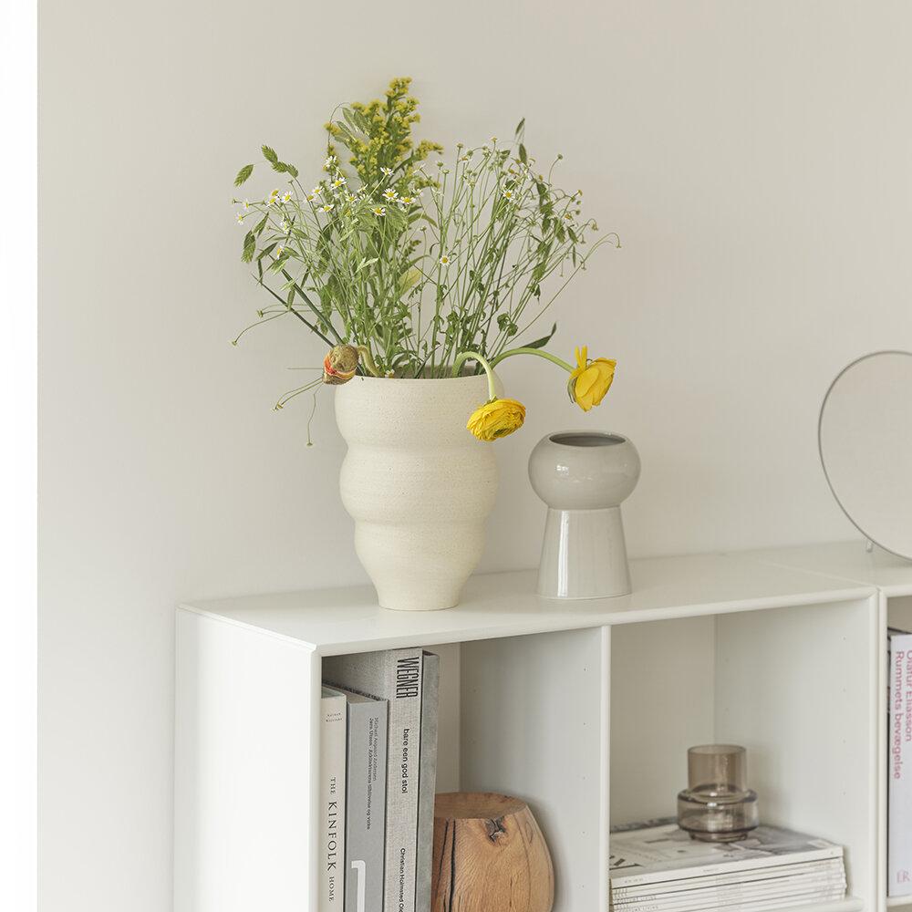 no-60-curved-hand-turned-vase-vanilla-flowers