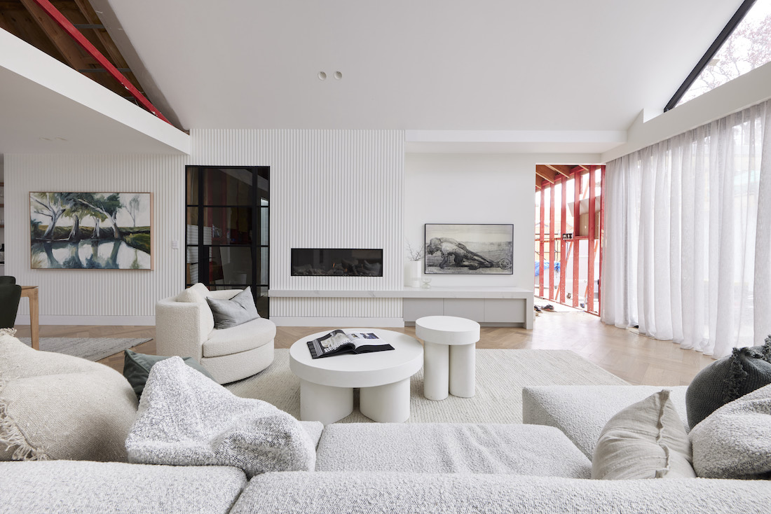 Living room with scalloped wall