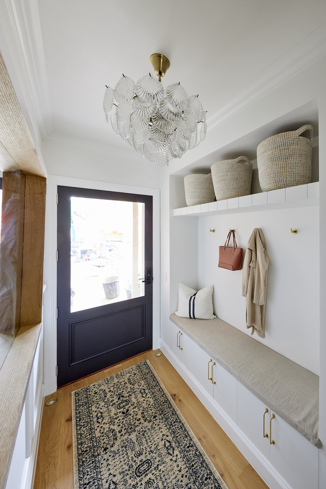 Built-in bench seat entry